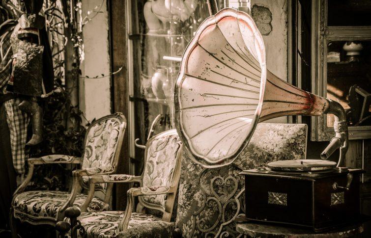 Grammophon-Trichter-Marketing-Funnel-Content